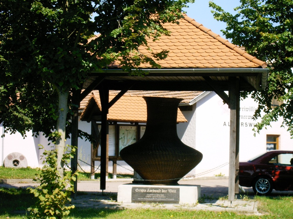 Korbvase2-Alm